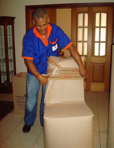 Colaborador Empacotando